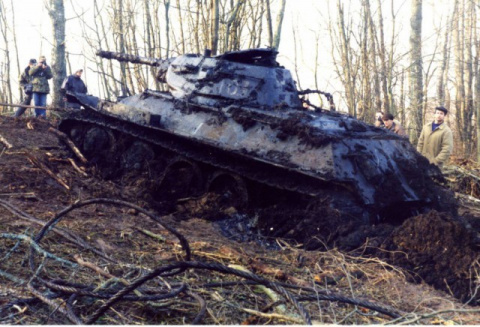 Подъём танка Т-34-76 из озер…