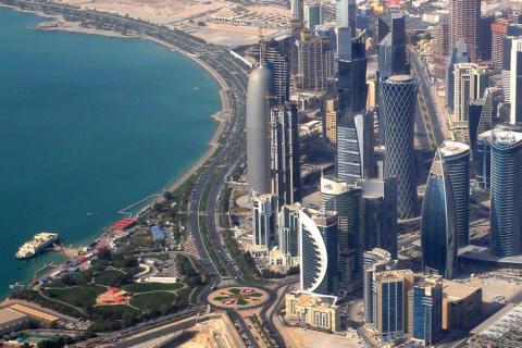 Катар: чужой среди своих