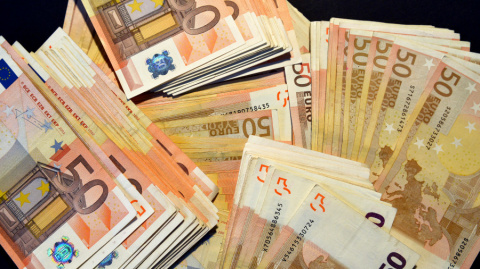 Десятки тысяч евро оказались…