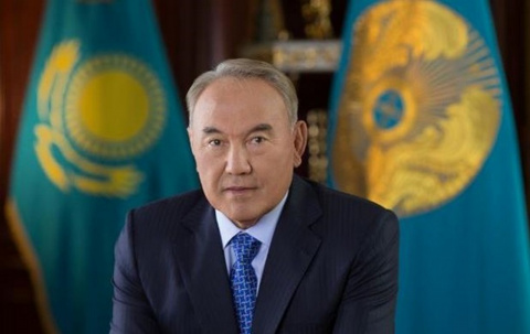 Назарбаев поставил всех в неловкое положение