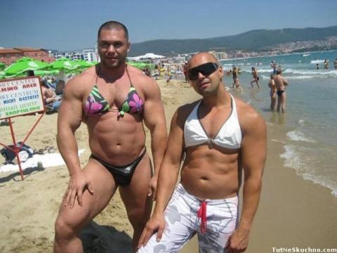 Пляжные наряды не для впечатлительных))