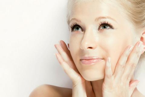 Перекись водорода для фарфоровой кожи и еще 7 секретов применения