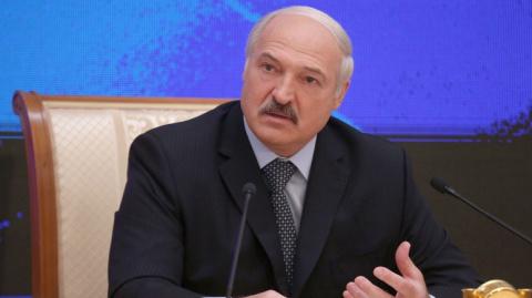 NZZ: Лукашенко стремится не к конфликту с Москвой, а к «белорусскому нейтралитету»