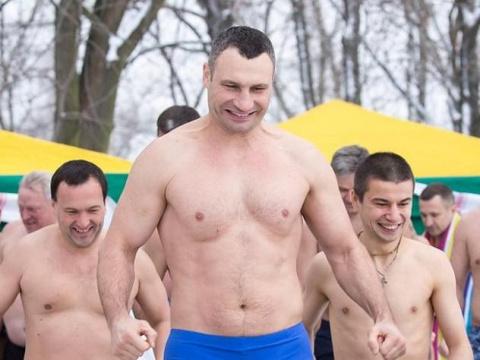 Мэр Киева искупался в проруб…