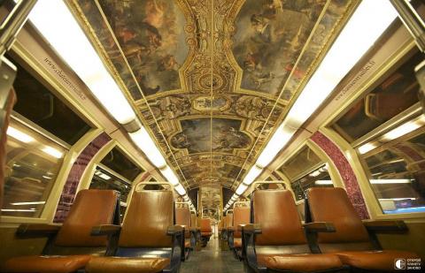 Необычный поезд Париж-Версаль