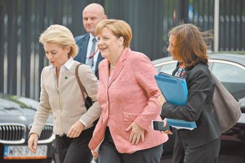 За чем Ангела Меркель едет в Москву на майские праздники?