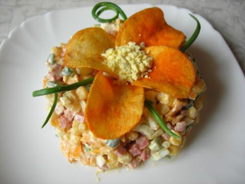 """Салат с чипсами и колбасой """"…"""