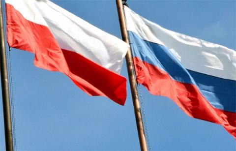 Польша не с Украиной, Польша…