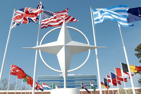 НАТО устаревшая организация за которую не все платят — Трамп