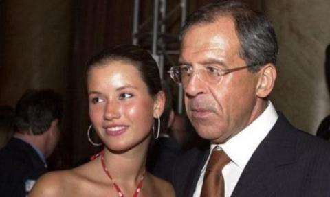 «Я никогда не скрывала, кто мой отец». Дочь Сергея Лаврова дала первое интервью