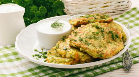 Оладьи из кабачков с сыром: …