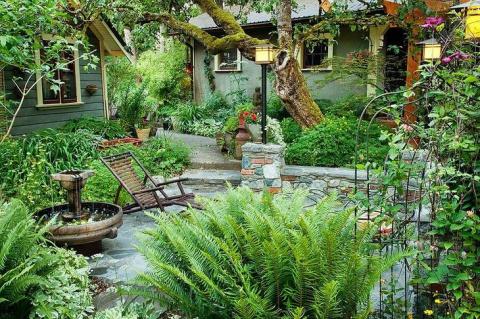 Сады с водоемом, фонтаном и …