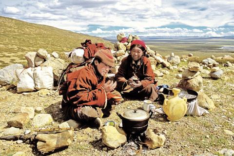 CCCР готовил мировую революцию с помощью тибетских лам и философского камня