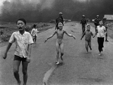 Ким Фук, напалмовая девочка 40 лет спустя