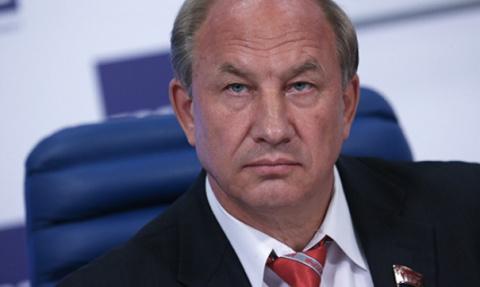 Депутат просит проверить деятельность Медведева из-за расследования о коррупции