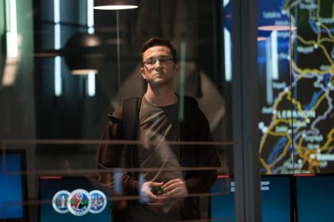 «Сноуден» — фильм, объясняющ…