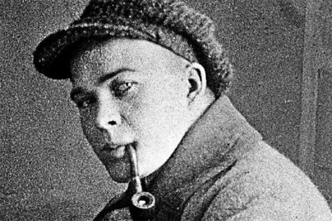 Сегодня день рождения русского писателя Аркадия Гайдара