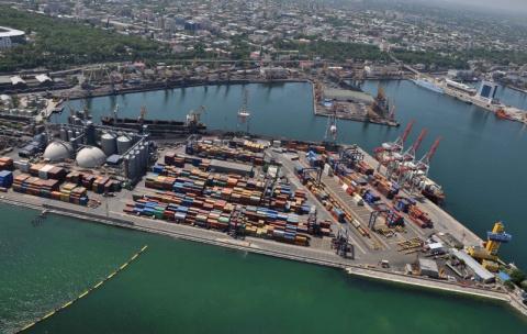 Нет транзита, нет денег: морские порты Украины готовы пойти ко дну