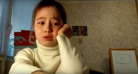 10-летняя видеоблогер расплакалась из-за сорвавшейся фан-встречи