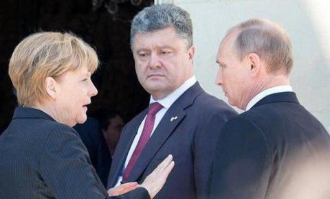 Меркель опровергла заявления…