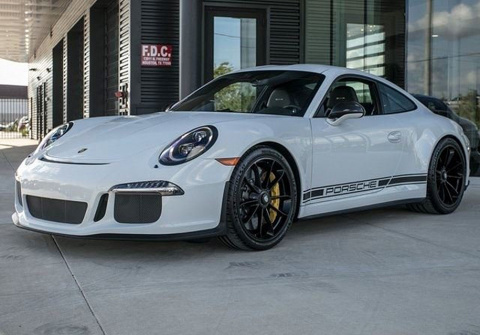 Porsche 911 R с минимальным …