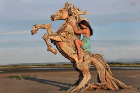 Деревянные скульптуры Джефро Уитто