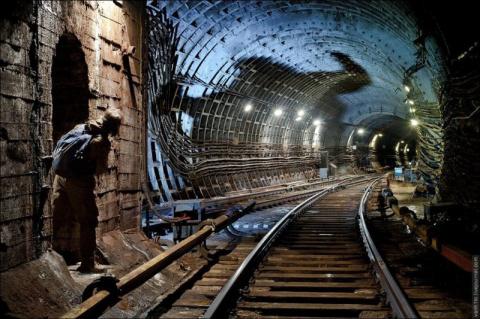 История московского метро в схемах и картах
