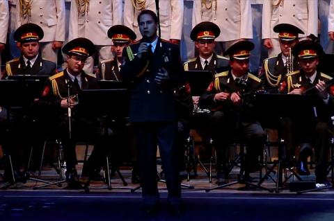 Видеоролик, на котором артисты ансамбля имени Александрова исполняют песню «Skyfall», назвали пророческим