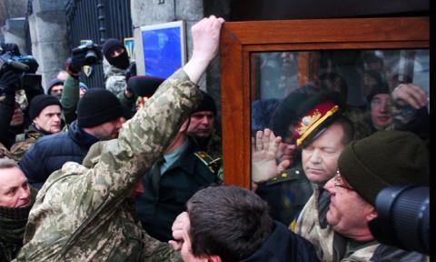 Путч для Порошенко. По мнению американцев, в Киеве зреет вооруженный госпереворот