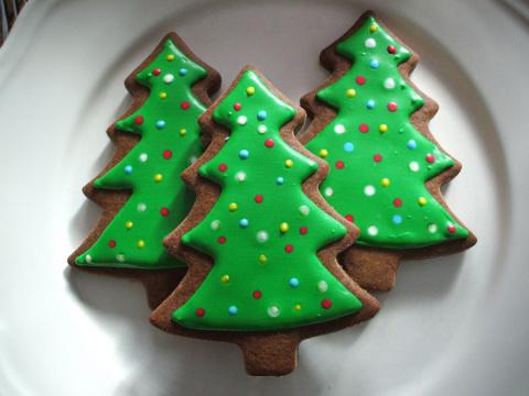 Печенье на Новый год «Заснеженные ёлочки». Салат - В Новый Год с новой шубой.
