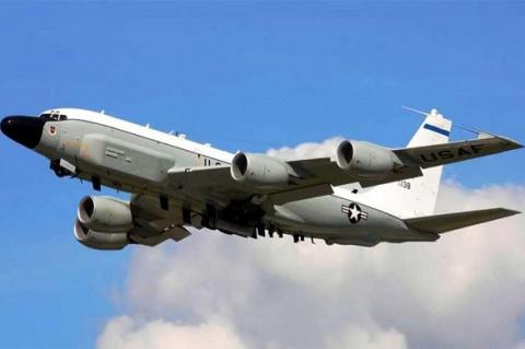 Самолет-разведчик США сунулс…