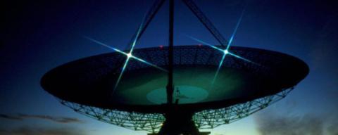 Странные радиосигналы поступ…