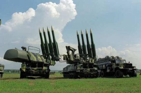 CNN: США теряют первенство в экспорте вооружений на фоне успехов России