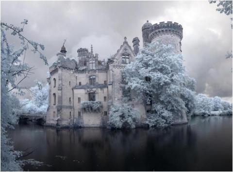 Невыразимо красивый французский замок, заброшенный 85 лет назад