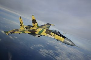Новейший российский самолет Су-35 разбомбил отряд боевиков на юге Идлиба в Сирии