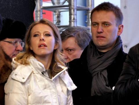 Навальный с возу, кобыле лег…