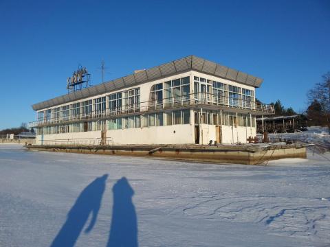 Музей «Кижи» ищет хозяина для старого плавучего ресторана
