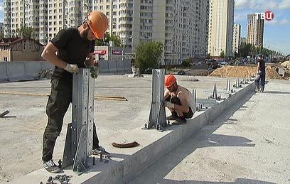 В столице продолжается строи…