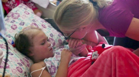 Семья пришла в больницу попр…