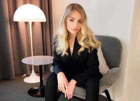 """Дочь Дмитрия Пескова написала фельетон о своей """"роскошной жизни"""": """"Я - дочь главного миллиардера и вора страны"""""""