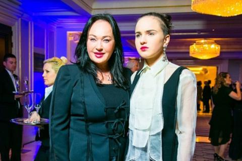 Дочь рассказала о пагубной зависимости Ларисы Гузеевой