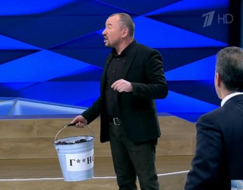 Число россиян, которые смотрят телевизор, упало вдвое
