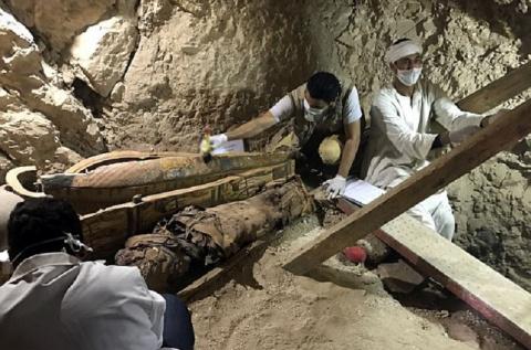 Редчайшая находка — неразграбленная древнеегипетская  гробница. Жаль, что не царская