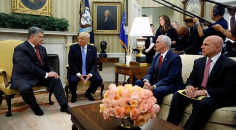 Трамп и Порошенко впервые вс…