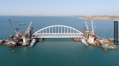 Крымский мост запустит необр…
