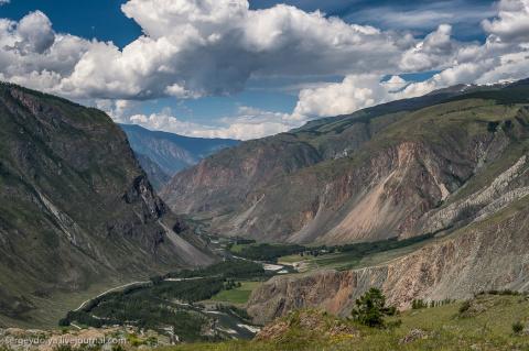 Чулышманский каньон у Телецкого озера  Алтай. Россия