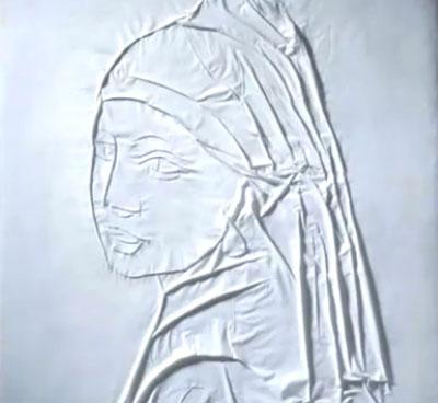 Живопись из складок в рекламе утюга