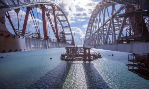 Главный мост страны получил свое имя