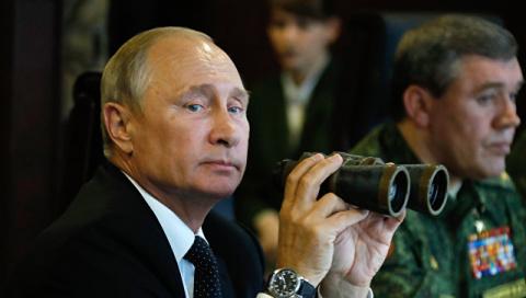"""В Кремле отреагировали на жалобы президента Литвы на учения """"Запад-2017"""""""