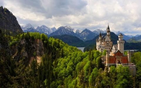 Старинные замки, сохранившиеся до наших дней